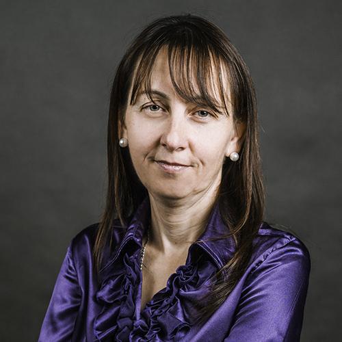 Bakos-Tóth Éva